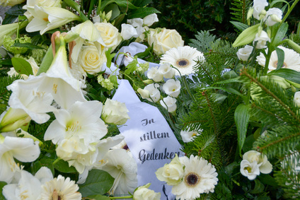 """Trauerkranz mit Schleifentext """"In stillem Gedenken"""""""