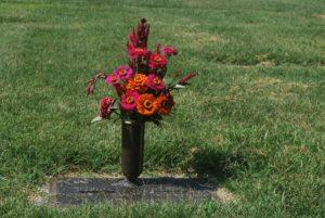Grabpflege: Urnenwiesengrab