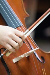 Trauermusik mit Streichinstrument