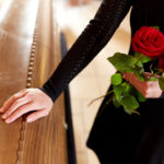 Pflegeversicherung: Bestattungsvorsorge abschließen