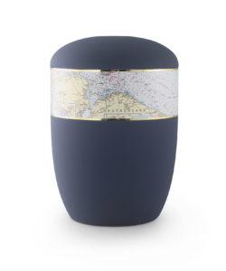 Urne mit Seekarte für Seebestattungen auf der Ostsee
