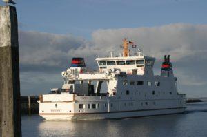 Seebestattung vor Norderney: Fährschiff der Reederei Norden-Frisia