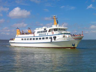 """Seebestattung vor Nordstrand: MS """"Adler V"""""""
