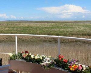 Seebestattung vor Neuharlingersiel: Brücke der Erinnerung