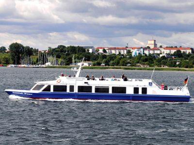 """Seebestattung vor Wismar: MS """"Hansestadt Wismar"""""""
