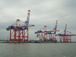 Seebestattung vor Wilhelmshaven: JadeWeserPort