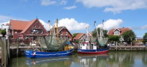 Seebestattung vor Neuharlingersiel: Hafen