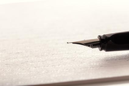 Kondolenzschreiben: Briefpapier mit Tintenfüller