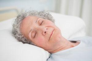 Anzeichen für den Sterbeprozess: Augen geschlossen