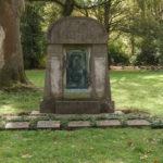 Friedhof in Dortmund finden: Bestattung planen