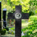 Friedhof in Chemnitz, Grabkreuz