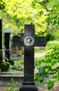 Friedhof in Köln, Grabkreuz