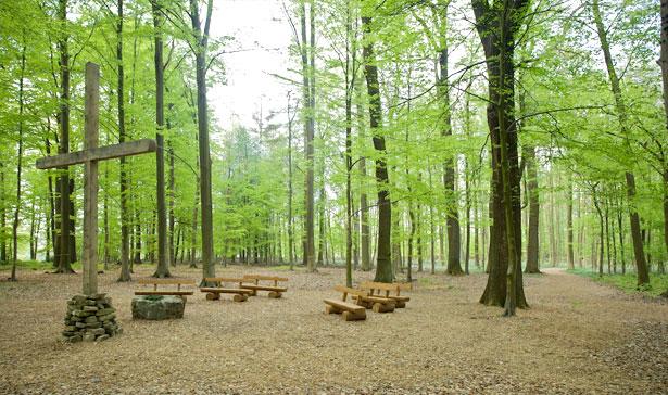 Andachtsstätte im RuheForst Deister bei Hannover