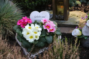 Grabgesteck aus der Friedhofsgärtnerei