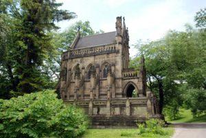 Neogotisch gestaltetes Mausoleum