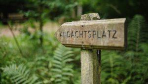 FriedWald Lauterbach, Hinweisschild zum Andachtsplatz